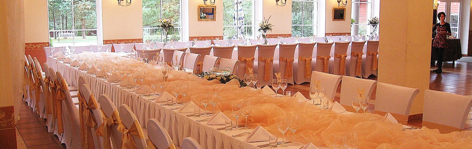 Dvaro salė vestuvių šventės metu | Kernavės bajorynė